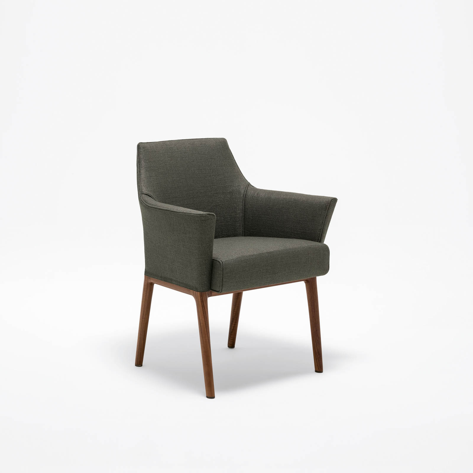 Awesome giorgetti atelier britselei antwerpen with for Fauteuils uitverkoop