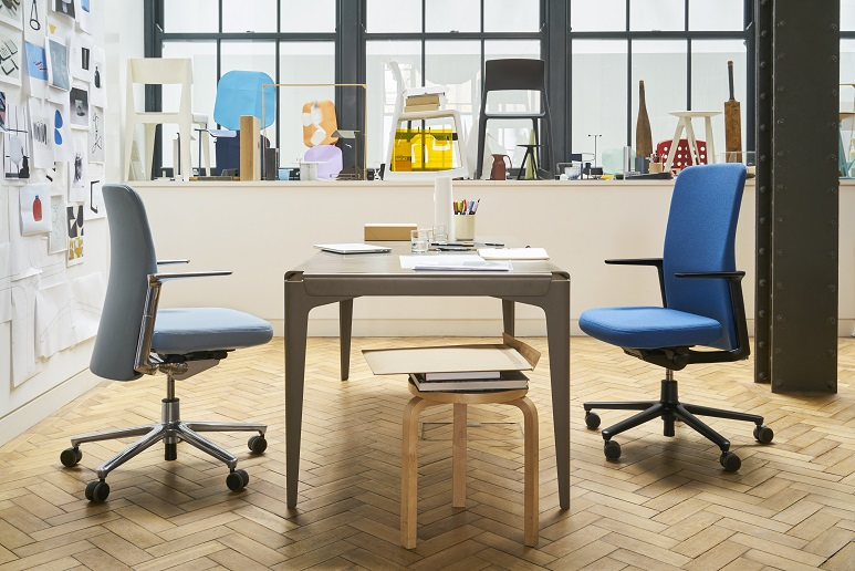 Pacific-Chair-Studio-Barber-Osgerby 1678708 small
